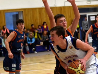 U17 zaváhali v play out