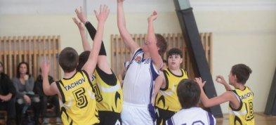 Naši nejmladší minižáci z 34.ZŠ začali svoji basketbalovou kariéru dvěma vítězstvími.