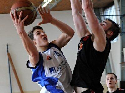 Junioři mezi elitou Českého basketbalu